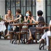New York – la réouverture des salles intérieures des restaurants encore reportée