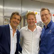 Scènes de Chefs – Bonnes vacances Tomy Gousset, Décollage en cuisine pour César Troisgros, Philippe Etchebest et son équipe, Yannick Alléno chez red-Bull, …
