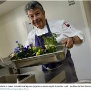 Le Chef Régis Marcon prend en main la cantine de l'école de son village et l'installe dans son hôtel