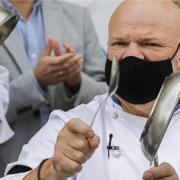 L'ex Top Chef Jérémy Moscovici tacle le chef P. Etchebest et le renvoie à ses fourneaux !