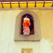 La «buchetta del vino» – fenêtre à vin –  florentine s'ouvre à nouveau avec la pandémie