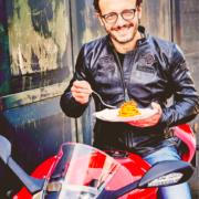 Road trip en Italie sur les traces de Simone Zanoni – vivez votre rêve italien avec le chef, l'Hedonist et Ducati
