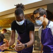 Mory Sacko – Le jeune chef a ouvert ce soir à Lyon le restaurant EDO – 4000 réservations enregistrées en 24 heures