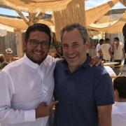 Le chef Akrame Benallal signe la carte du nouveau restaurant de plage à Saint-Tropez la : Casa Amor