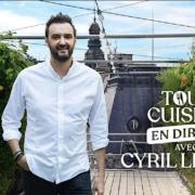 Pour les fêtes de fin d'année le chef Cyril Lignac reprend » Tous en Cuisine » mais en direct depuis le toit du BHV à Paris