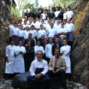 Brèves de Chefs – Alexande Dufeu quitte le Plaza Athénée, Nadia Sammut pour un monde au goût meilleur, The Grand Gelinaz Shuffle c'est le 29 août, Ferran Adrià souvenir, Patrick Roger «fascinante humanité», …
